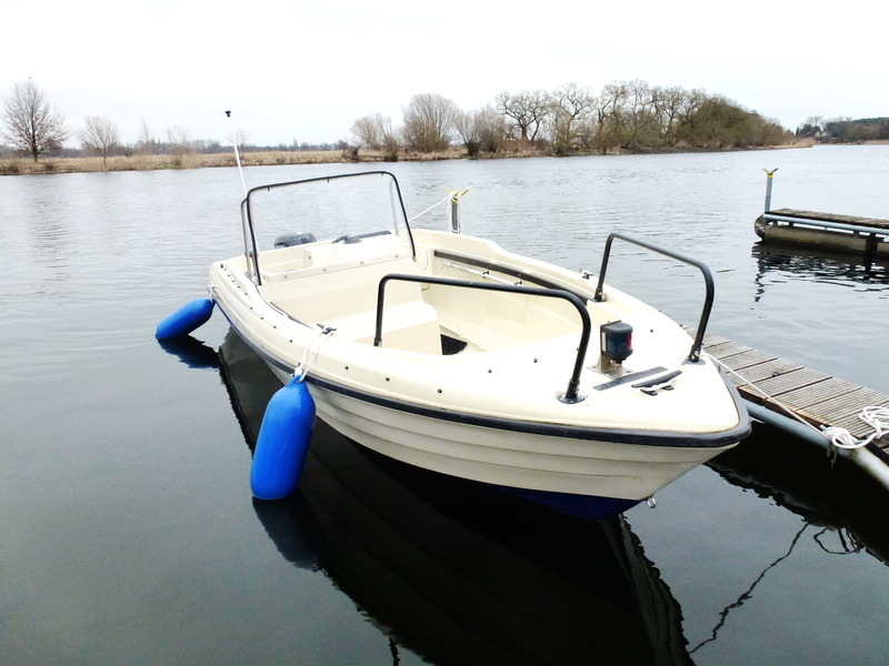 Terry - unser rasantes Ausflugssportboot