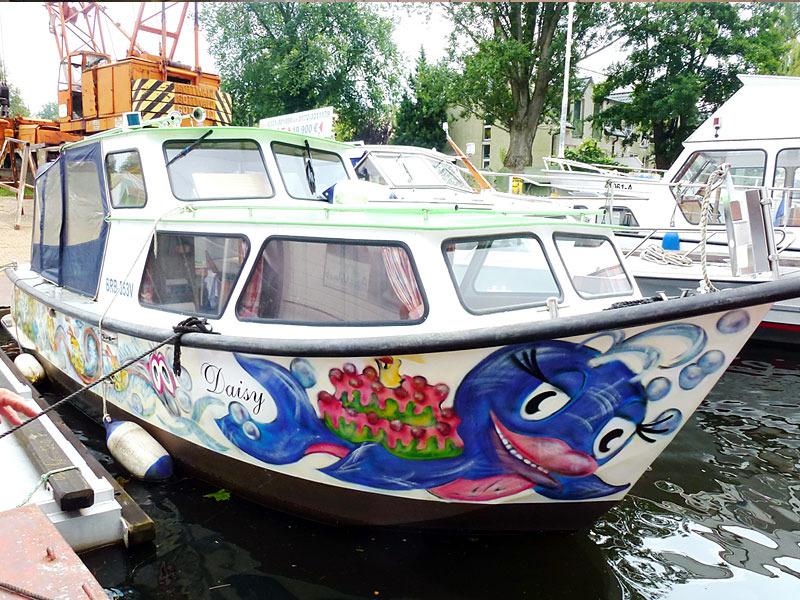 Daisy - unser geräumiges Kajüt-Hausboot